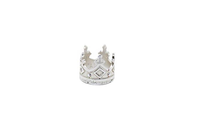 The Crown resmi